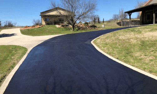 Sealcoated driveway in dallas tx